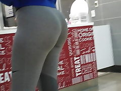 Youthfull Fit Pawg !!