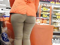 Mouth-watering Phat ass white girl Nut Bouncy Backside